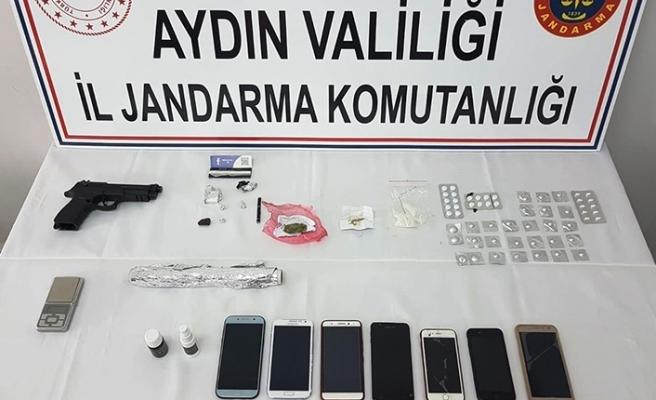 Uyuşturucu tacirlerine 3 ilçede eş zamanlı operasyon: 11 gözaltı