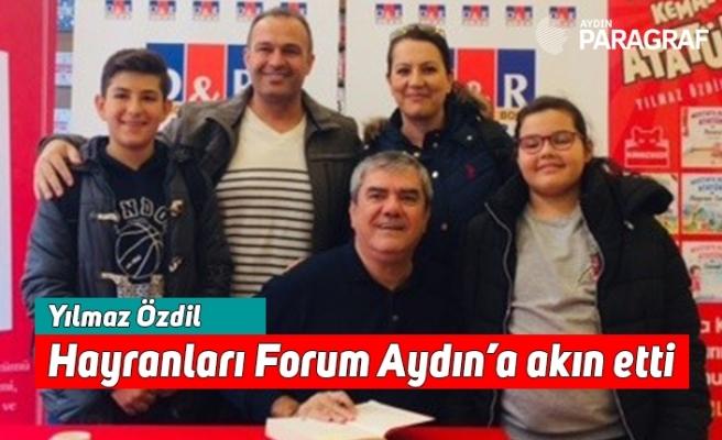 Yılmaz Özdil hayranları Forum Aydın'a akın etti
