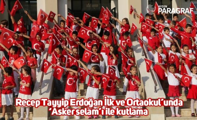 Recep Tayyip Erdoğan İlk ve Ortaokul'unda 'Asker selam'ı ile kutlama