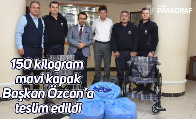 150 kilogram mavi kapak Başkan Özcan'a teslim edildi
