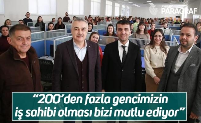 """Mustafa Savaş; """"200'den fazla gencimizin iş sahibi olması bizi mutlu ediyor"""""""
