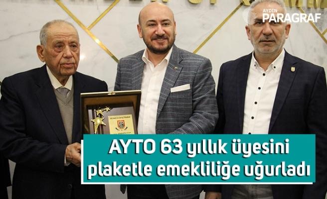 AYTO 63 yıllık üyesini plaketle emekliliğe uğurladı