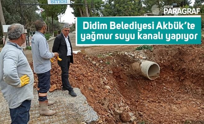 Didim Belediyesi Akbük'te yağmur suyu kanalı yapıyor