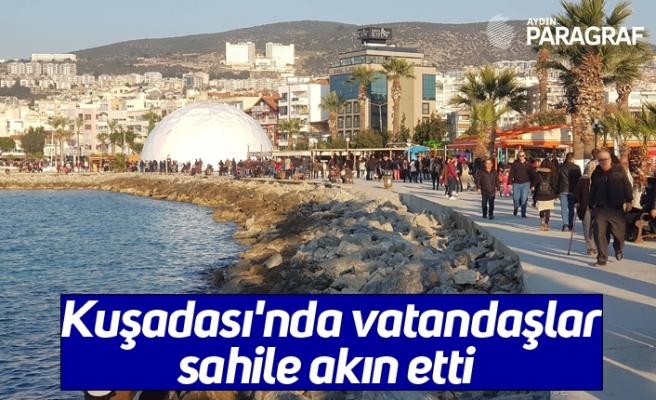 Kuşadası'nda vatandaşlar sahile akın etti