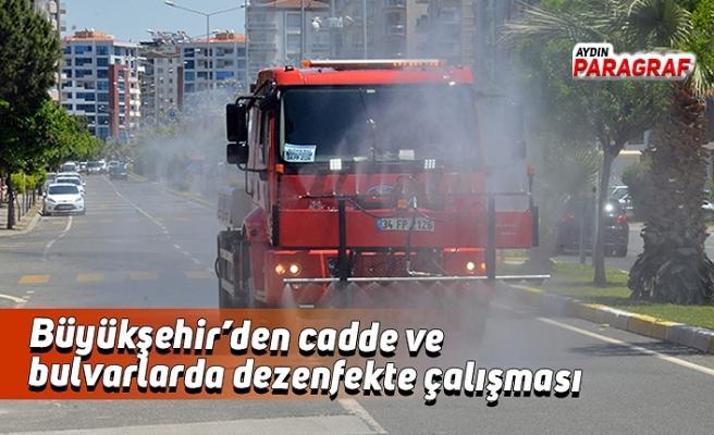 Büyükşehir'den cadde ve bulvarlarda dezenfekte çalışması