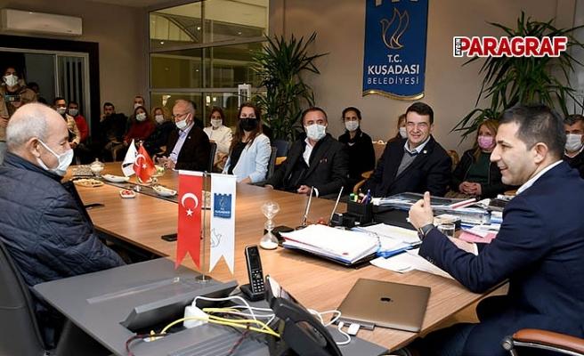CHP Aydın eski Milletvekili Baydar Kuşadası Belediyesi'ni ziyaret etti