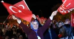 Özlem Çerçioğlu, Yenipazar'da seçim zaferini kutladı