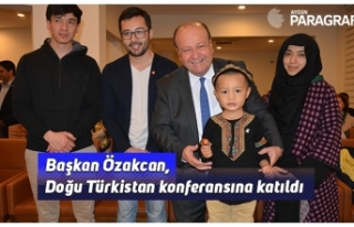Başkan Özakcan, Doğu Türkistan konferansına katıldı