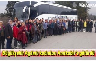 Büyükşehir Aydınlı kadınları Anıtkabir'e...
