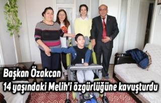 Başkan Özakcan 14 yaşındaki Melih'i özgürlüğüne...