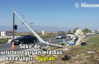 Söke'de turistleri taşıyan midibüs kaza yaptı:...