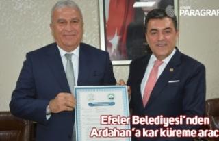 Efeler Belediyesi'nden Ardahan'a kar küreme aracı