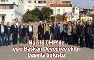 Nazilli CHP'de eski Başkan Deveci ve ekibi basınla...