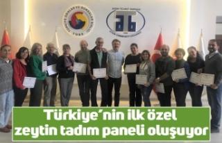 Türkiye'nin ilk özel zeytin tadım paneli oluşuyor