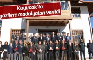 Kuyucak'ta gazilere madalyaları verildi