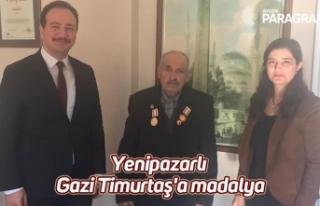 Yenipazarlı Gazi Timurtaş'a madalya