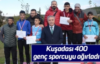Kuşadası 400 genç sporcuyu ağırladı