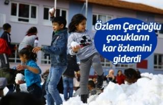 Özlem Çerçioğlu çocukların kar özlemini giderdi