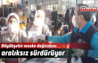 Büyükşehir maske dağıtımını aralıksız sürdürüyor