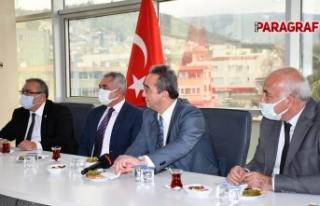 CHP'li vekiller Söke Belediye Başkanı Tuncel'i...
