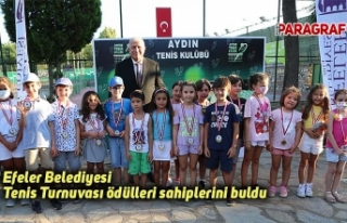 Efeler Belediyesi Tenis Turnuvası ödülleri sahiplerini...