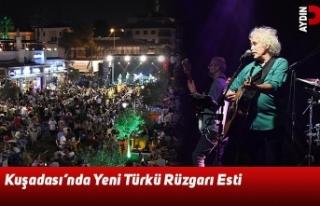Kuşadası'nda Yeni Türkü Rüzgarı Esti