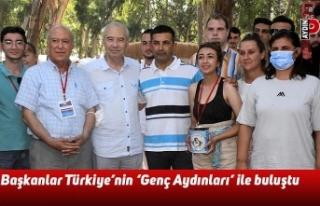 Başkanlar Türkiye'nin 'Genç Aydınları'...