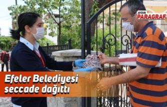 Efeler Belediyesi seccade dağıttı
