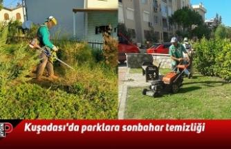 Kuşadası'da parklara sonbahar temizliği