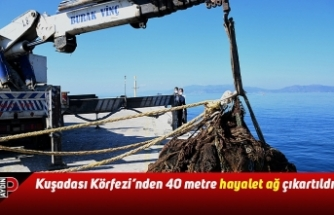 """Kuşadası Körfezi'nden 40 metre """"hayalet ağ"""" çıkartıldı"""