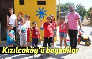Kızılcaköy'ü boyadılar