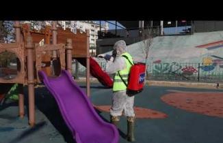 Büyükşehir çocukların oyun alanlarını dezenfekte etti